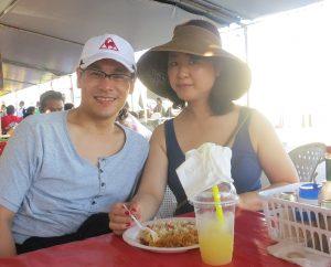 17年春に行ったグアムの朝市の朝食風景